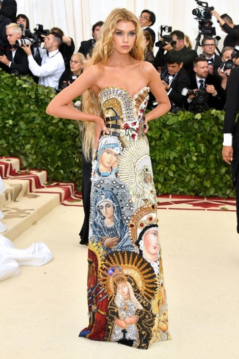 Stella Maxwell is on our list for the best dressed at the Met Gala 2018